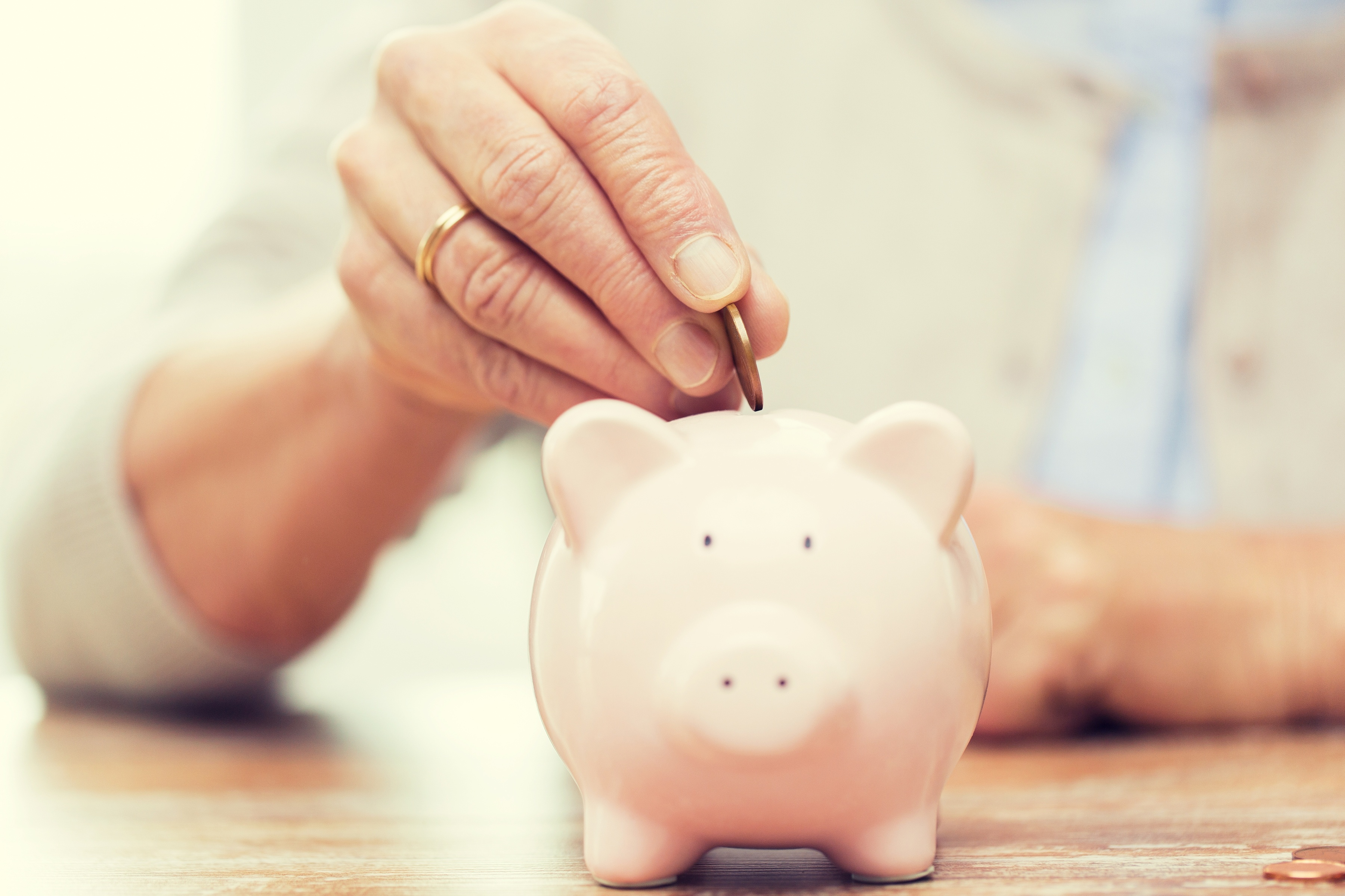 5_Ways_You_Can_Talk_to_Your_Senior_Mom_About_Finances.jpg
