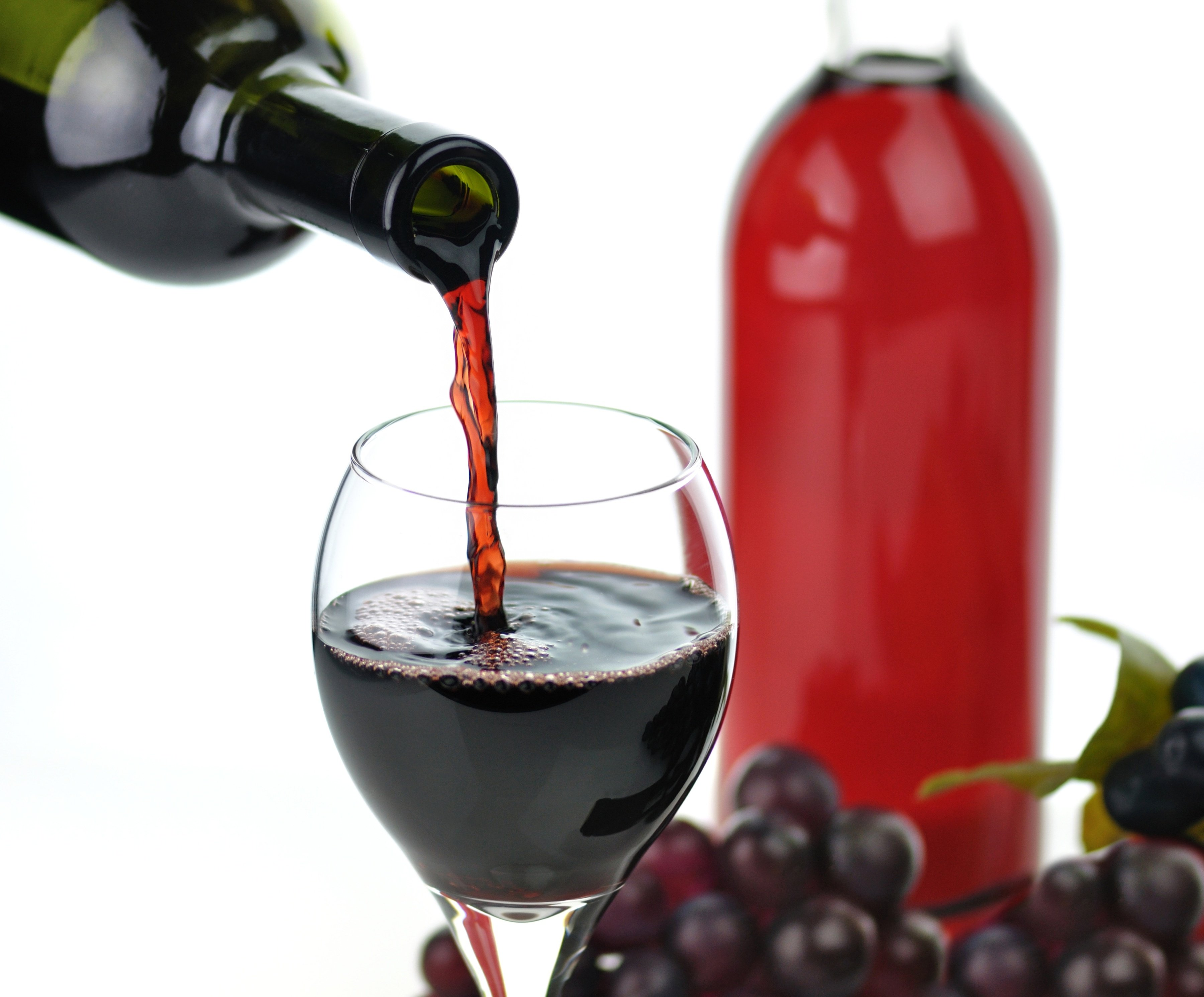 A_Molecule_in_Red_Wine_May_Slow_the_Progression_of_Alzheimers.jpg