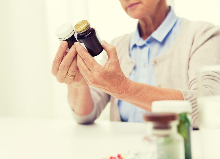 Help_Your_Senior_Mom_Avoid_Medication_Mix_Ups_at_Home.jpg
