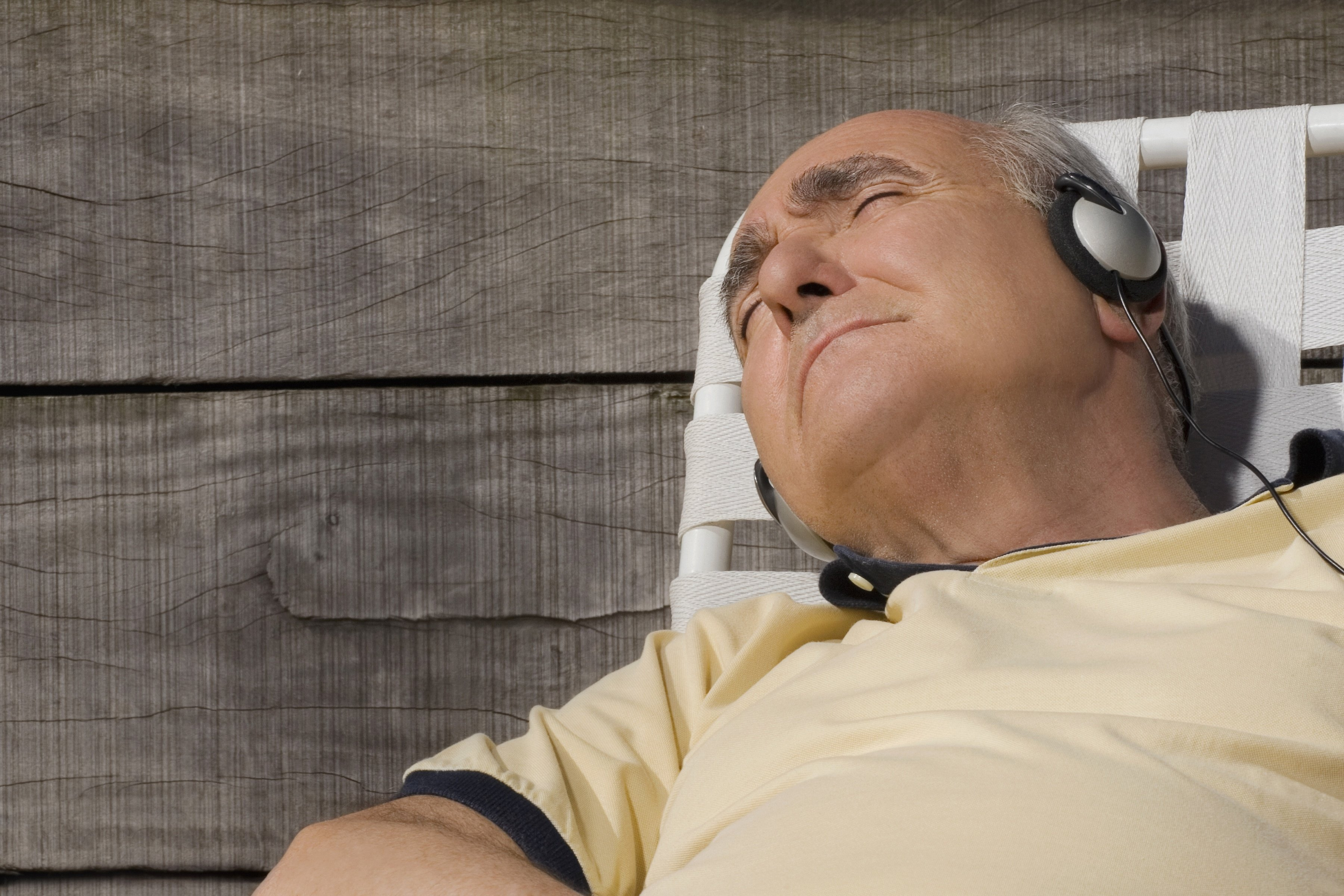 Personalized_Music_May_Benefit_Seniors_with_Dementia.jpg